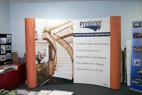 Magnetic popup display system with velcro receptive fabric backwall